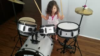 2-year-old plays drums for the first time - Is a natural! - Video