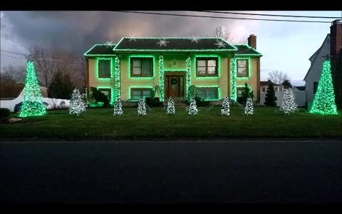 Festive Connecticut home displays incredible Christmas light show