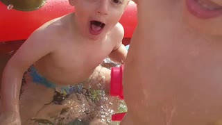 Twin fun in the pool  - Video