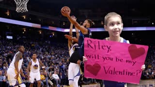 "Stephen Curry Meets Boy with ""Riley, Will You Be My Valentine?"" Sign - Video"