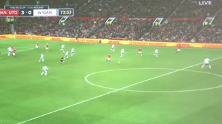 GOOOAL!! Mkhitaryan makes it 3-0 after a great combo move with Martial - Video