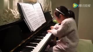 3 year old Little Girl Surprised Music Ability - Video
