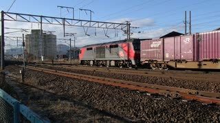 Locomotive with freight being separated