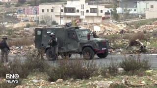 Palestinians, Israeli Security Forces Clash Near Ramallah - Video