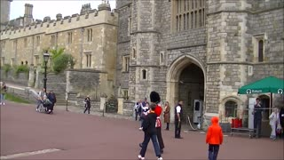 Queen Guardsmen at Windsor Castle  - Video