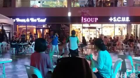 This Man's Dance Moves Looks Robotic!