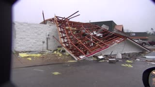 Damage from Columbia, Mississippi tornado - Video