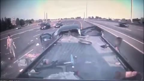 Intense tow truck footage from crash on Toronto highway