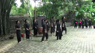 Funny folk dancing in moutainous Vietnam