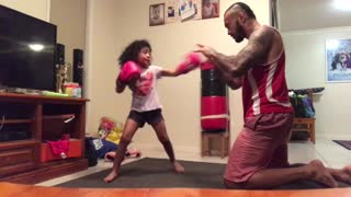 4-year-old girl trains with dad to become pro boxer - Video