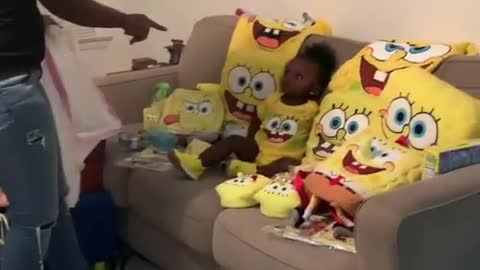 Baby girl hilariously obsessed with 'SpongeBob SquarePants'