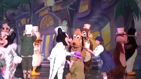 Minnie And Micky Mouse Special Romance dance With Cartoon Characters On Stage