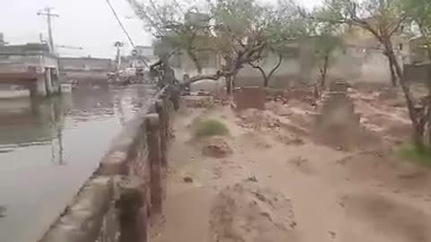 Full Rainy Water on The Road