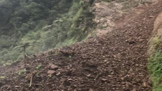 Ridiculous Rockslide Captured in New Zealand