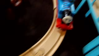 Thomas explores the world  - Video