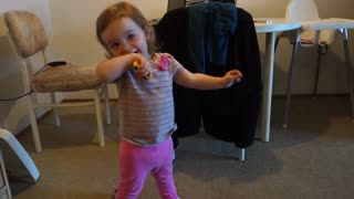 Toddler posing like a model - Video