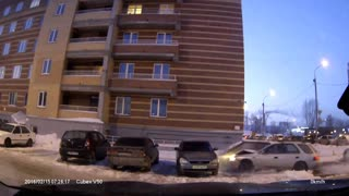 Reckless driver crashes into 4 parked cars - Video