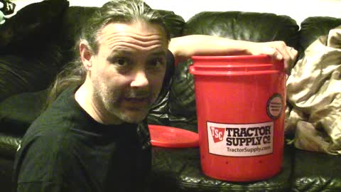 5 Gallon Cup Based Chicken Watering System DIY