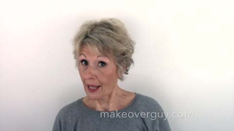 Woman Undergoes A Wonderful Hair And Makeup Transformation