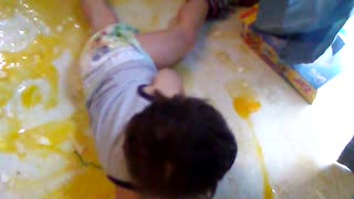 Kiddo Makes a Huge Egg Mess - Video