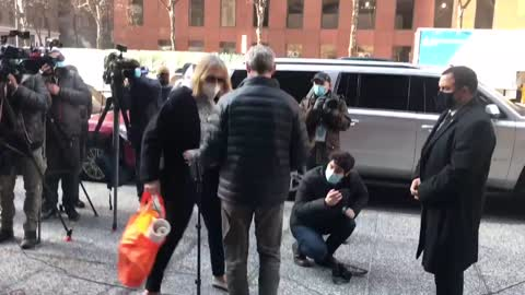 This is when you had enough !! Lady snaps on Senator Chuck Schumer