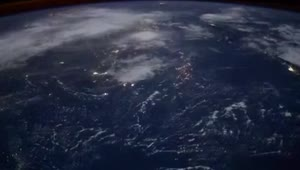 Astronaut captures massive lightning storm from ISS - Video