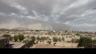 Large haboob forms over major highway in Arizona