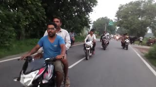 Amazing race on road  - Video
