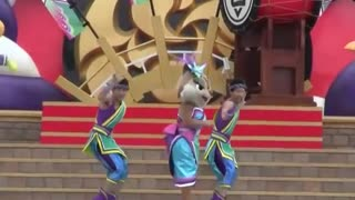 Amazing Cartoon Show Dance On Stage