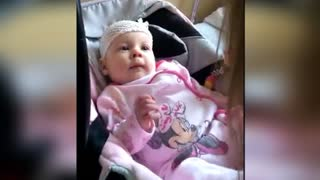 Hospitalized baby adorably mimics adult's voice - Video