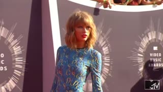 Taylor Swift leads People magazine's best-dressed list - Video