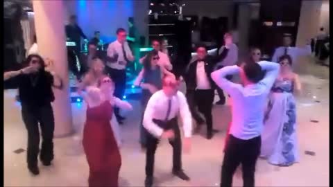 Surprise wedding dance dazzles everyone in attendance