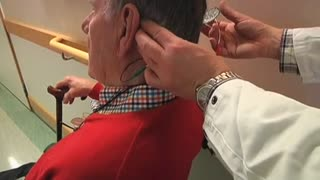Electric 'noise' treats Parkinson's symptoms - Video