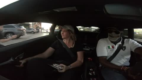 Mom has comical reaction to riding in full speed Lamborghini