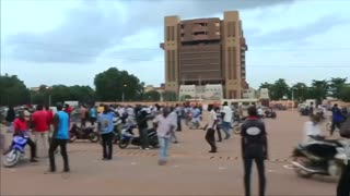 Burkina Faso presidential guard seizes president - Video