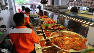Enter Curry Heaven | Amazing Indian Cooking, Indian Food in Penang, Malaysia - Video