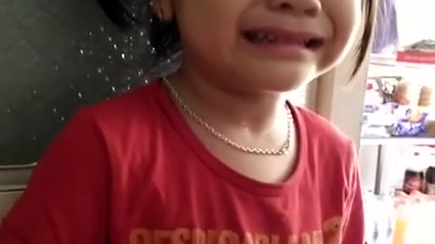 She cried because she was scolded by her mother/How to curb your toddler's fake crying