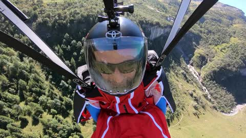 Epic selfie footage of wingsuit daredevil in Switzerland