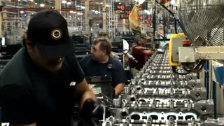 U.S. economy grows, bolsters case for rate hike - Video