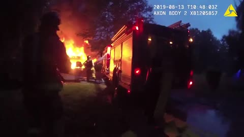 Police Officer saves people from house fire while they were asleep
