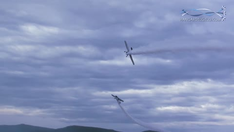 Pilots perform insanely close flyby