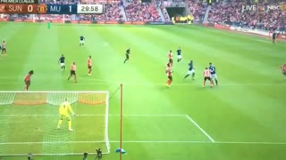 Ibrahimovic with a magnificent finish! - Video