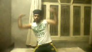 Body Builder showing Style in his style  - Video