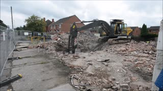 Last orders for Woodsetton's Summer House pub after bulldozers move in - Video