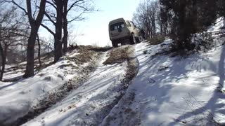 Toyota Suzuki Off Road Drive On Snow - Video