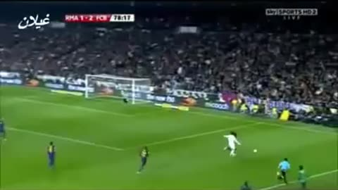VIDEO: Cristiano Ronaldo owns Carles Puyol