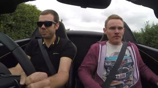 Priceless reaction to McLaren supercar acceleration - Video