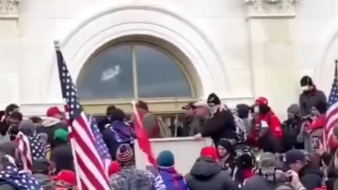 Antifa Breaking Glass at Capitol, Trump Protesters Saying Stop Antifa