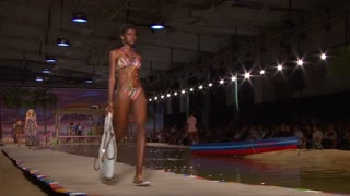Life's a beach at Tommy Hilfiger show - Video