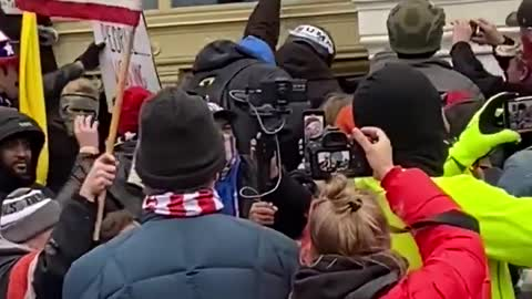 Trump Supporters Stop Antifa From Breaking Glass Completely